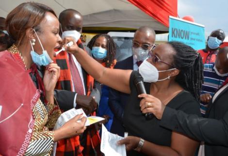 Bold CAS Mwangangi takes HIV testing in public